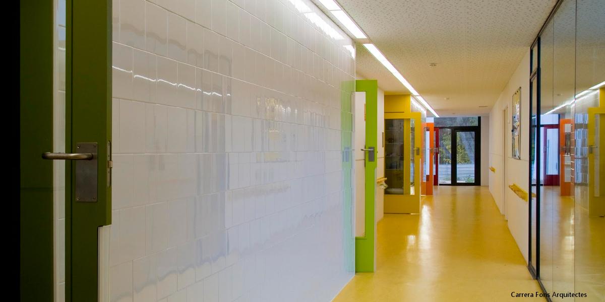 1829-EB Gardeny-Lleida-Carrera Fons Arquitectes-Arno-pasillo