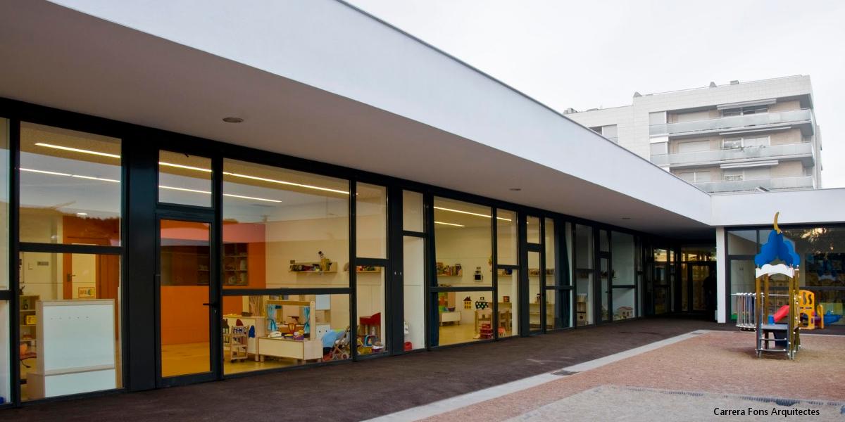 1829-EB Gardeny-Lleida-Carrera Fons Arquitectes-Arno-interior desde exterior