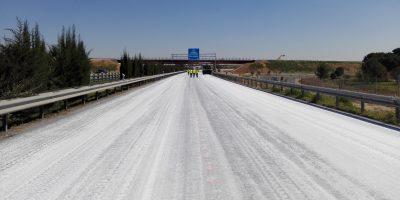 Aplicacion de cal como protección en los riegos de adherencia-asfalto carreteras-Asphacal-Arno