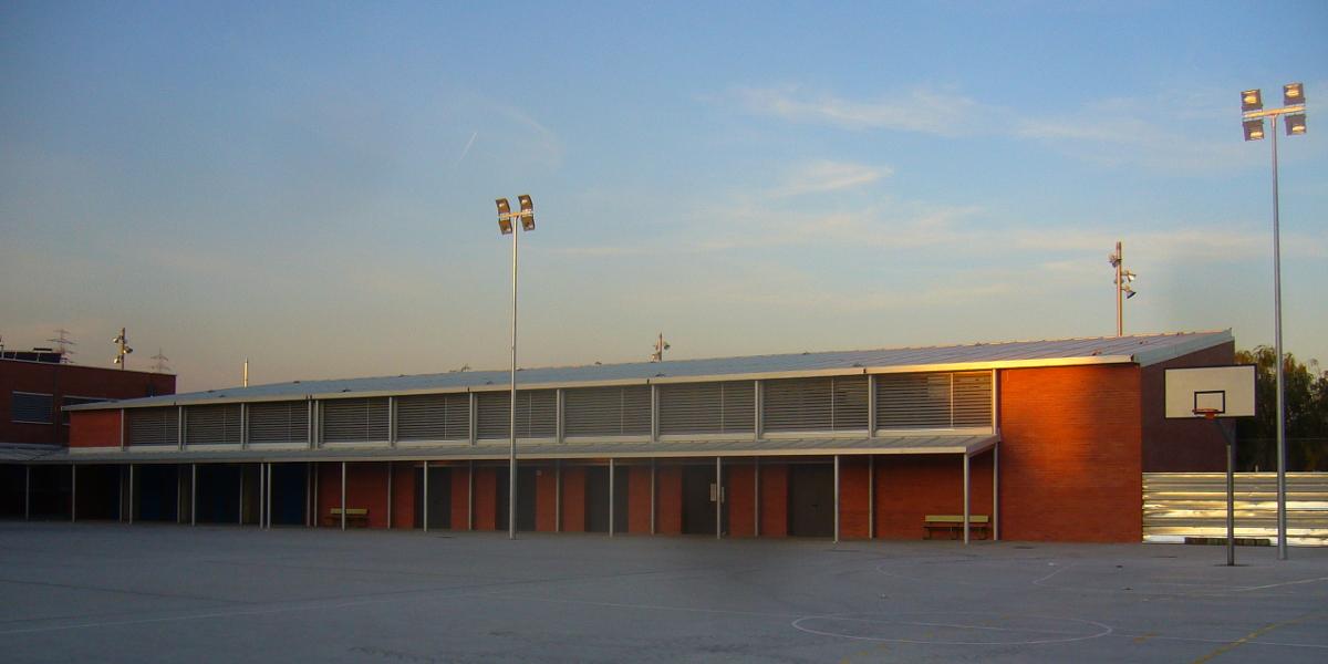 2034 IEs Sales Viladecans-Arno-patio