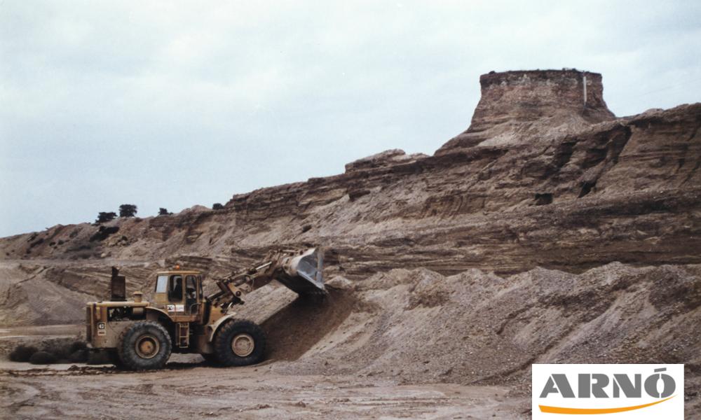 021-20170530-Construccio-excavadora-Aixi erem-Arno