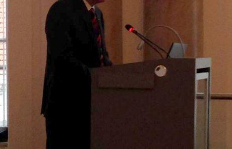 El Rector de la Universidad Leoben, Wilfried Eichlseder inaugurando el encuentro del primer año del proyecto SLIM de minería sostenible.