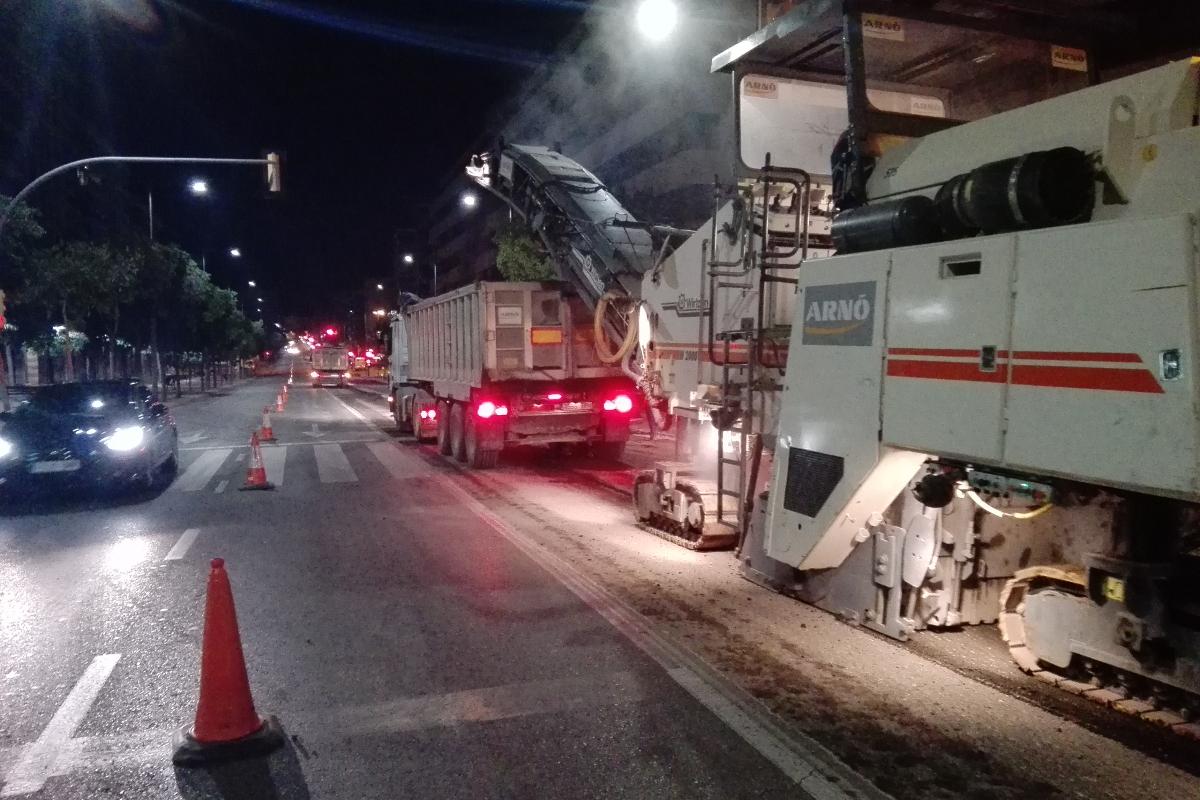 trabajos nocturnos de asfaltado en diversas calles de Lleida. Arnó