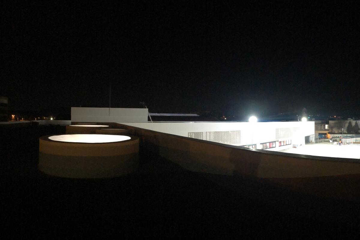 Detalle de tragaluz desde el tejado CEIP Palau Ametlla-14-Arno
