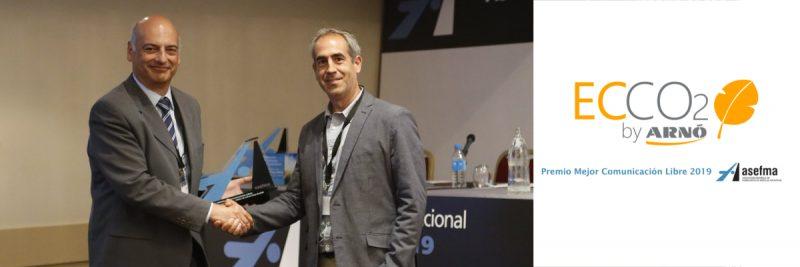 Premio a la mejor comunicación libre 2019 en la XIV Jornada Asefma para la herramienta de cálculo de CO2 desarrollada por Arnó, ECCO2. Presentó y recogió el premio Xavier Crisén, del departamento de I+D+i de Benito Arnó.