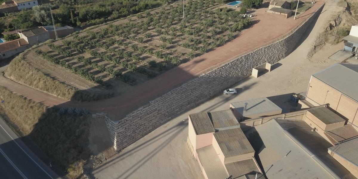 Mur escullera a Almenar, per Tealsa